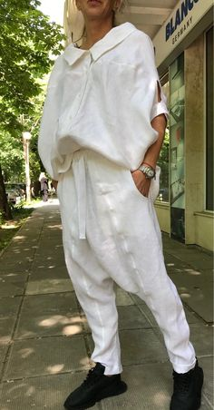 Excited to share this item from my shop: White Shirt and Harem Pants / Paradox / Short Sleeves Top / Long Pants / Loose Pants / White Shirt / Casual Set Abaya Fashion, Fashion Outfits, Fashion Trends, Look Boho, Linen Suit, Mode Chic, Loose Pants, Alternative Outfits, Casual Shirts