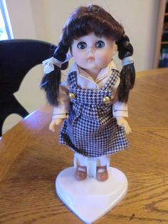Vintage-1986 Vogue Ginny Doll with Plastic Heart Stand