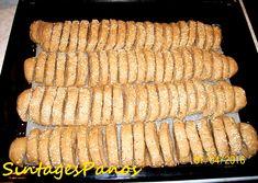 Παξιμάδια κρασάτα Ζακυνθινά, από τον Πάνο Greek Sweets, Recipe Boards, Greek Recipes, Biscotti, Party Time, Bakery, Cookies, Vegetables, Desserts