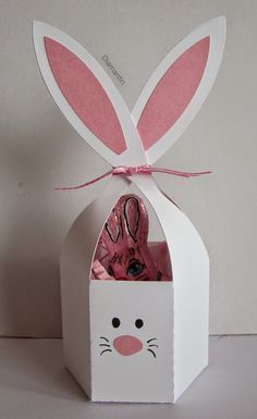 Die Schneidedatei ist aus dem Sil-Store: bunny ears treat container These Easter bunnies are so cute. The cutting file is from the Sil-Store: bunny ears treat container Easter Projects, Easter Crafts For Kids, Spring Crafts, Holiday Crafts, Happy Easter, Easter Bunny, Diy And Crafts, Paper Crafts, Wrapping