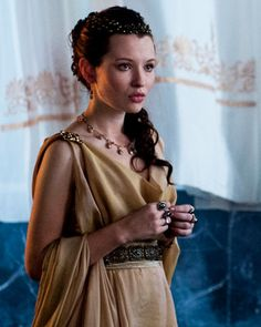 """Emily Browning- """"Pompeii"""" I just seen this movie, great movie! And she caught my eye ; Emily Browning, Roman Dress, Greek Clothing, Period Costumes, Historical Costume, Costume Design, Beautiful People, Celebs, Celebrities"""