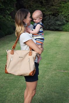 Style and Function for the Everyday Mom // Perfect Handbag for a Mom