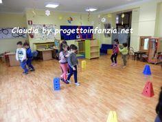 giochi di fiducia (14) Cooperative Learning, Best Teacher, Montessori, Basketball Court, Preschool, Education, Games, Projects, Party