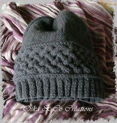 Juste à temps pour la St Valentin ! Il y avait des 10aines d'années que je n'avais pas sorti mes aiguilles à tricoter ! C'est avec un reste de 2 pelotes que je voulais utiliser, que j'ai pu tricoter ce bonnet dont vous trouverez le patron gratuit chez...