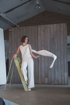 A beautiful, contemporary bridal jumpsuit with a striking sari-inspired train by House of Ollichon. #bridaljumpsuit #bridalwear #jumpsuit  #bridetobe #alternativeweddingdress