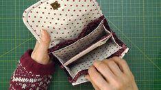 Cartera monedero billetero. Video tutorial. Patrones gratis Sew Wallet, Fabric Wallet, Clutch Wallet, Pencil Case Tutorial, Wallet Tutorial, Wallet Sewing Pattern, Sewing Patterns, Nail Bags, Sewing Terms