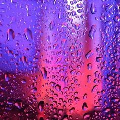 red and purple aesthetic Aesthetic Colors, Retro Aesthetic, Aesthetic Pictures, Red Purple, Red And Blue, Neon Lighting, Oeuvre D'art, Picture Wall, Photo Wall