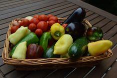 Zöldséges tésztaszósz üvegben – télre is | Mindenről, amitől kerek lehet az életed... Fruit, Vegetables, Food, Lasagna, Red Peppers, Meal, The Fruit, Essen, Vegetable Recipes