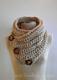 Super soft chunky Scarf Cowl Neckwarmer with 3 large buttons