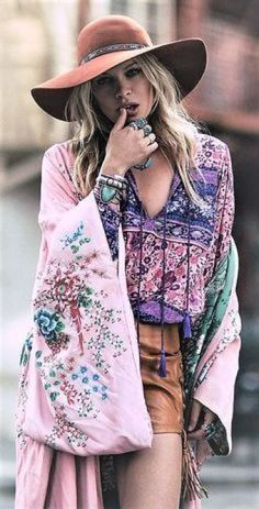 On Sale ! Cute Casual Women Outfits ⭐ featuring A Gypsy Floral Dress to add to yr boho Chic wardrobe. Boho Outfit Ideas & Fashion Style Inspiration to Try Now. ⭐ Shop this look ! Fashion Moda, Pink Fashion, Women's Fashion Dresses, Boho Fashion, Womens Fashion, Maxi Dresses, Style Fashion, Fashion Ideas, Casual Dresses