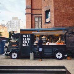 New York coffee truck. Intelligentsia coffee truck, High Line Hotel, New York Food Trucks, Kombi Food Truck, Food Truck Festival, Coffee Carts, Coffee Truck, Nyc Coffee, Coffee Store, Hy Citroen, Foodtrucks Ideas