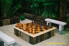 outdoor checkers | GIANT CHESS SETS are great outdoor chess sets for Garden, Hotels, Pubs ...