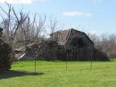 Missouri Barns Greenfield,  J' Larson