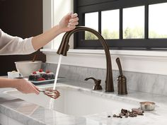 Black Kitchen Faucets, Bronze Kitchen, Kitchen Fixtures, Bathroom Faucets, Kitchen And Bath, Kitchen Sinks, Kitchen Mixer, Diy Design, Modern Design