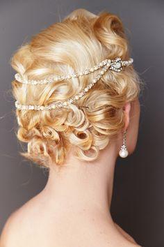 Handmade Triple Kimmy Hairdrape made with swarovski crystal and pearl. Carat Gold, Swarovski Pearls, Pearl White, Headpiece, Wedding Jewelry, Wedding Hairstyles, Jewellery, Bride, Handmade