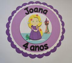 Placa para enfeite para colocar na parede.    Feito artesanalmente, usando a técnica scrapbook.    Personalizado com o nome e idade da criança,