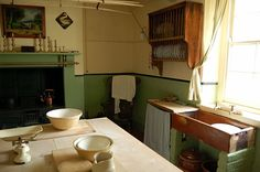 Victorian kitchen - bring the best bits into your period home - Mr Victorian Victorian Kitchen Sinks, 1940s Kitchen, Vintage Kitchen, Victorian Interiors, Victorian Cottage, Cottage Interiors, French Interiors, Rustic Cottage, Victorian Decor