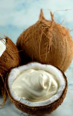 coconut icecream... dairy free.... i love coconut icecream these days and am excited to try making it myself.