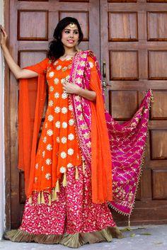 Bandhani Dress, Shadi Dresses, Western Wear, Dress Patterns, Sari, Traditional, How To Wear, Style, Jewelry