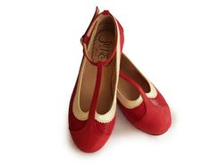 T strap, flat leather shoes in red