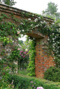 Mottisfont Abbey Gardens, Hampshire