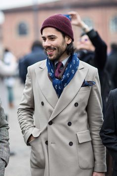 Cashmere Beanie, Cool Things To Make, Suit Jacket, Street Style, Detail, Instagram, Coat, How To Wear, Jackets