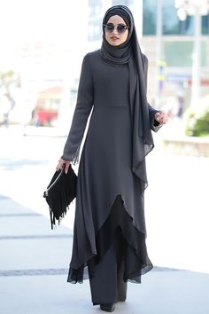 Piennar Gri Havin İkili Takım - Best Picture For fall outfits For Your Taste You are looking for something, and it is going to te - Islamic Fashion, Modern Hijab Fashion, Abaya Fashion, Muslim Fashion, Modest Fashion, Fashion Dresses, Hijab Outfit, Hijab Style Dress, Abaya Style