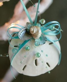 How to Make Seashell Christmas Ornaments Ocean Sand Dollar Ornament, Aqua Seashell Christmas Ornaments, Beach Christmas Ornaments, Coastal Christmas Decor, Nautical Christmas, Christmas Decorations, Turquoise Christmas, Tropical Christmas, Diy Ornaments, Angel Ornaments