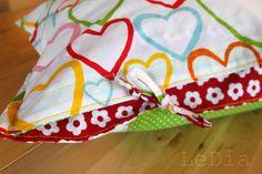 Bunte Tupfer: ~DIY~ Kissen mit Schleifen-Verschluss Tutorial