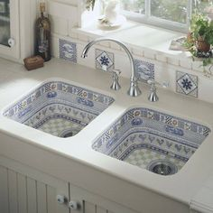 Klasik #mutfak lavabolarından vazgeçip seramiğin büyüsüne kapılmaya ne dersiniz ? #ceramicsdesign #ceramics #blue #kitchen