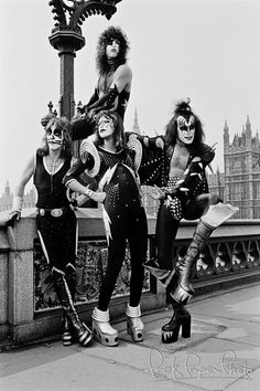 Peter Criss, Paul Stanley, (top) Ace Frehley, Gene Simmons.