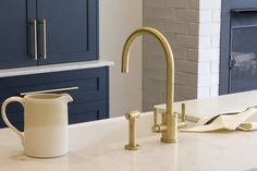 The English Tapware Company know the beauty of uncoated brass, which is becoming increasingly popular as the selected finish for kitchen and bathroom tapware and fittings. Brass, Kitchen Design, Chic Spaces, Fittings, Beautiful Homes, Beautiful Kitchens, French Oak, Brass Tap, Bathroom Tapware