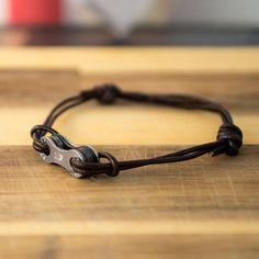 Diy Bracelets Easy, Link Bracelets, Leather Art, Leather Jewelry, Bicycle Parts Art, Leather Bracelet Tutorial, Bike Chain Bracelet, Hardware Jewelry, Rock Necklace