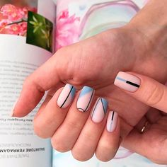 Square nails are the basic shape of classical French nails. This shape of nails is straight on both sides, sharp edges, suitable for more powerful women. Square nails are suitable for nails with longer nails and larger nail beds. Classy Nails, Stylish Nails, Simple Nails, Trendy Nails, Colorful Nail Designs, Nail Art Designs, Square Nail Designs, Nails Design, Nailart