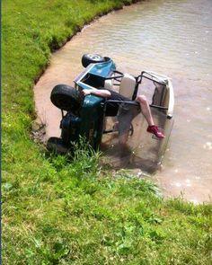 Serious #GolfCartFail!   Rock Bottom Golf #RockBottomGolf