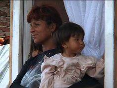 DANIELA. Bulgarie, 2007. #Titouan #Lamazou. portrait de DANIELA. Rrom de Dupnitza, Bulgarie, 2007. Femmes du Monde. Film réalisé par Marc Jampolsky.