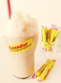 milkshake-carambar Milk Shakes, Yummy Drinks, Yummy Food, Vegetable Drinks, Smoothie Drinks, Frozen Treats, Coffee Recipes, Love Food, Food Porn