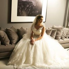 Nossas belas noivas reais: Debora! Lindo clique de Marcos Araújo. #noivasreais#brides #luxodefesta #lafianceenoivas #lafiancee#inesquecivelcasamento #noivasbrasilia #vestidodenoiva #brides #casamento #sayido #constancezahn #vestidadenoiva