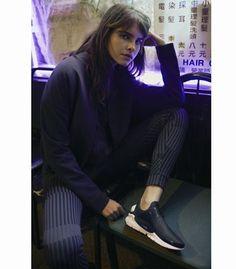 A @Nike lança dois novos modelos do tênis Nike Sock Dart da linha modern comfort que traz calçados ultra confortáveis. O item foi atualizado com tecido repelente à água proporcionando proteção para as chuvas de verão sem perder o estilo e o conforto. Os tênis já estão à venda no site da marca.  via MARIE CLAIRE BRASIL MAGAZINE OFFICIAL INSTAGRAM - Celebrity  Fashion  Haute Couture  Advertising  Culture  Beauty  Editorial Photography  Magazine Covers  Supermodels  Runway Models
