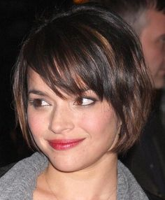 Trendy Short Layered Hairstyles with Bangs Hair for Women in Fall Season | Trendy 2012 Haircuts and Hairstyles Pictures Gallery