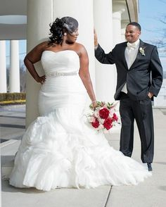 Plus size brides look lovely in fit and flare wedding gowns. If you are a curvy bride looking for af Plus Size Wedding Gowns, White Wedding Dresses, Plus Size Dresses, Bridal Dresses, Dress Wedding, Wedding White, Lace Wedding, Plus Size Brides, Curvy Bride