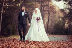 Rabbim mesut etsin.... Disney Wedding Dresses, Hijab Bride, Pakistani Wedding Dresses, Modest Wedding Dresses, Wedding Poses, Wedding Photoshoot, Wedding Couples, Wedding Ideas, Muslim Brides