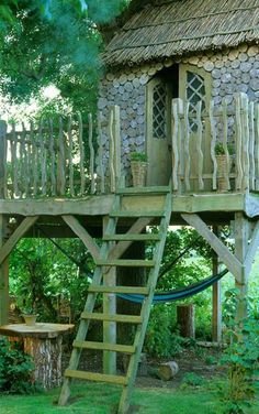 Bunny Guinness - Landscape Designs this is tree house, lots of beautiful garden designs on this page! - I like the siding used on the treehouse Dream Garden, Home And Garden, Outdoor Spaces, Outdoor Living, Colorado Springs, Little Houses, Green Life, Play Houses, Garden Inspiration