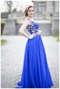 blue dress, styled shoot, prom girl, prom dress, sherri hill, modeling, newport, rhode island, joseph laurin photography