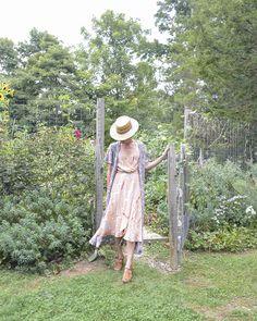 local-creative-frances-palmer-james-daughter-flowers-garden-summer-flowers-fall-foraging-52