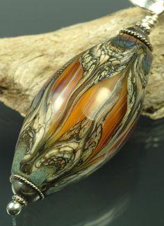 Just gorgeous - Andrea Guarino-Slemmons Mothwing bead