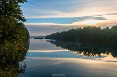 Lines at lake 'Reindersmeer', 'De Maasduinen' National Park (Well, Netherlands).