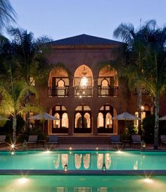 Luxury, traditional approach towards art & architecture, the Mosaic Palais Aziza & Spa is hidden away in the lush green oasis of Marrakech.