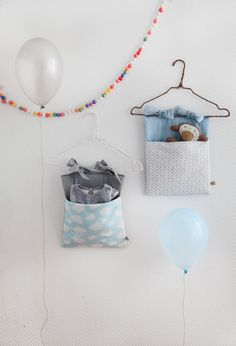 Crib Pocket Nuages by OnZedanceFlore on Etsy, Sewing For Kids, Baby Sewing, Diy For Kids, Baby Decor, Kids Decor, Baby Kind, Baby Love, Sewing Projects, Diy Projects