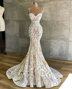 Top Wedding Dresses, Cute Wedding Dress, Applique Wedding Dress, Wedding Dress Trends, Applique Dress, Country Wedding Gowns, Most Beautiful Wedding Dresses, Modest Wedding, Wedding Veil